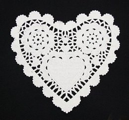 Wholesale inch Christmas Table Decoration White Heart Lace Paper Doilies Doyleys Vintage Coasters Placemat Craft Wedding
