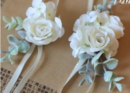 Wholesale The bride bridegroom white rose corsages brooches beach wedding bouquets bridesmaids bouquets wrist flowers business party brooches