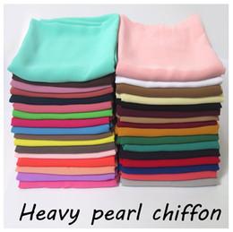 10pcs / lot haute qualité perle bulle en mousseline de soie Hijab écharpe châle musulman tête envelopper bandeau solide solide couleur tissu lourd à partir de perle solide fournisseurs