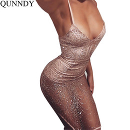 Qunndy Womens Gold Sequin vestido sin mangas 2017 Sexy V-cuello Backless Mujer Sundress Lujo Club Party desgaste MiNi Sequined vestido q170716 desde fabricantes