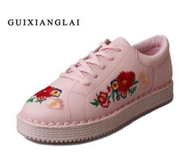 2017 broderie chaussures plates Mode Brogue broderie Chaussures Femme Mocassins Candy Couleurs Flats Femmes Oxfords Creepers Flat Casual Chaussures Femmes Chaussures de marche, taille35-40 budget broderie chaussures plates