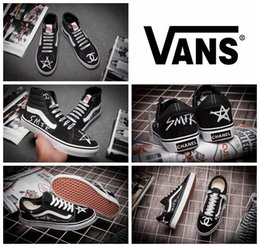 Wholesale VANS X CHANEL Classic White Black Old Skool Shoes High Tops Low Top Original Canvas Brand Women And Mens Skateboarding Shoes