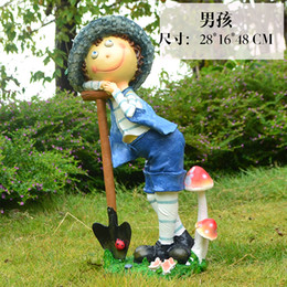 Resin crafts, the image of the child labor, lovely fresh style, garden ornaments, American country style.