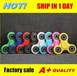 Wholesale Best Triangle Tri HandSpinner Finger Hand Fidget Spinner Top EDC Acrylic ABS Plastic Metal Gyro Decompression Anxiety Toys With Package