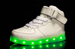 Canada Taille de chaussure européenne: 26-36 Enfants Usb Charging Led Light Chaussures Sneakers Kids Light Up Shose avec des ailes Luminous Lighted Boy Girl Chaussures kids children shoes winged for sale Offre