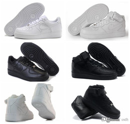 Wholesale 2017 Classical Mens Women Running Shoes Famous Trainers Force One Sports Skateboarding Shoes Forces White Black Eur36 AiR