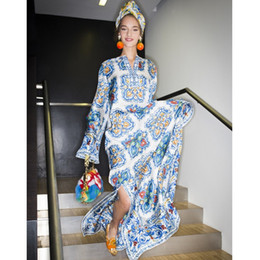 2018 Autumn Runway Designer Long Dress Women's Long Sleeve V-Neck Blue Porcelain Printed Beading Casual Slit Maxi Long Loose Holiday Dress