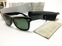 Una visión superior en Línea-Las gafas de sol de calidad superior al por mayor del diseñador califican las gafas de sol clásicas cuadradas del Mens de la vendimia UV400 para las mujeres con el caso y