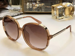 Mélanger le cas de mode en Ligne-721 Fashion Sunglass Femme Marque Deisnger CE721 Big Round Face Uv400 Len Style d'été Adumbral Butterfly Design Mixed Big Face With Case