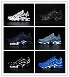 Les chaussures courantes TN KPU des hommes de mode de la vente en vogue de chaussures noires bleues bleues de sports la haute qualité courent l'air des espadrilles de coureur de dentelle Taille 7-13 à partir de lacets blancs gros fabricateur