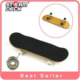 Wholesale Piece With Gadget Professional Maple Wooden Fingerboards Nickel Alloy Stents Bearing Wheel Finger Skateboard Mini Skate Toys