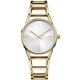 Mujer del estilo de reloj resistente al agua en Línea-2017 nuevos relojes de moda estilo caliente para el reloj de cuarzo de las mujeres impermeable reloj de señora de la aguja dos Brazalete de la serie femenina de la tabla