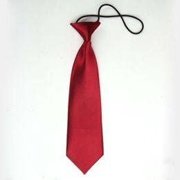 Venta al por mayor corbata roja en Línea-Venta al por mayor 2016 nuevos niños rojos de vino de la llegada embroma los accesorios elásticos de la boda de la corbata de los muchachos de escuela del cuello de los cabritos