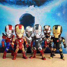 2017 películas de acción Iron MAN Movie led PVC ligero 9 cm Figuras de Acción Figuras de Acción de Vehículo Móvil Figuras de Luz hasta Figuras 6 piezas 1 set KKA1379 películas de acción en oferta