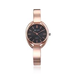 Luxury fashion women's watch fashion simple quartz wrist watch stainless steel watch with tuhao gold free delivery