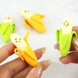 2016 niños mini lápiz La mini novedad de goma del borrador del lápiz de la fruta del plátano de Wholesale-10PCS embroma al estudiante que aprende efectos de escritorio de la oficina niños mini lápiz oferta