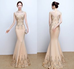 2019 Gorgeous Evening Dresses Champagne Jewel Neck Sleeveless Mermaid Gold Appliques Lace Formal Prom Party Dress