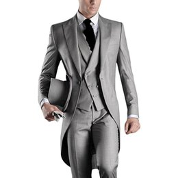 Latest Design One Button Light Grey Groom Tuxedos Peak Lapel Groomsmen Mens Wedding Suits Best man Suits (Jacket+Pants+Vest+Tie) NO:889