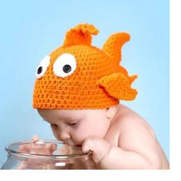 Cute baby accesorios de fotografía en Línea-Las pequeñas muchachas de acrílico de los bebés del sombrero del ganchillo hecho a mano del diseño del goldfish de la manera lindos hacen a mano los accesorios recién nacidos de la fotografía WA1687