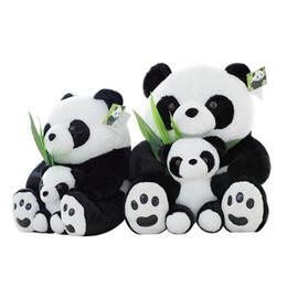 Promotion oreillers panda en peluche 1pcs 25CM / 42CM / 40CM Assis Mère et bébé Panda Jouets en peluche Poupées de panda farcies Oreillers doux Jouets pour enfants Anniversaires Cadeaux