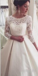 Wholesale Full Lace Applique Wedding Dresses Sheer Jewel Neck Cow Half Long Sleeves V Back Court Train A Line Bridal Gowns