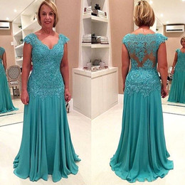 Sexy Hunter Chiffon Appliques Evening Gowns 2018 Plunging V-Neck Capped Sleeves Plus Size Mother of the Bride Gowns Floor Length Party Dress