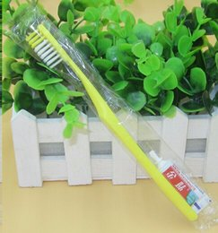 Free Shipping 100pcs lot Mixed Color disposable Hotel Toothbrush and toothpaste Sets Independent Package