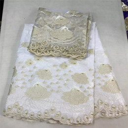 Wholesale New Arrive yds white bazin riche getzner lace fabric2017 nice gold embroidery yds tulle lace with beads yards set for wedding E74