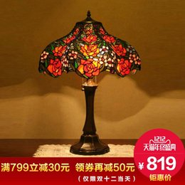 Wholesale Creative high end gift European classical wedding wedding room red rose romantic warm living room bedroom bedside table lamp