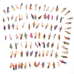 Compra Online Figuras de la gente modelo-Venta al por mayor Mini Modelo de personas ABS plástico 100pcs N Escala 1: 150 Mezcla pintado Modelo Personas tren Parque calle pasajero personas figuras
