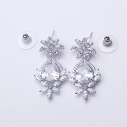 Wholesale The original korean design noble bride Earrings For Women Fashion Jewelry to wear in wedding or party studio photoshop