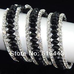 Cristales checo pulseras en venta-Las pulseras estiradas de los brazaletes de los encantos de las pulseras de los Rhinestones checos cristalinos negros de los encantos 6pcs 3rows venden al por mayor la joyería A-700 de la manera