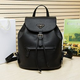 Wholesale The best quality female outdoor fashion backpack travel bag Really leather handbag high end brand ladies bag