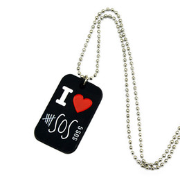 50PCS Lot I Love 5SOS Silicone Dog Tag Necklace 5 Seconds Of Summer Pendant With 24 Inch Ball Chain