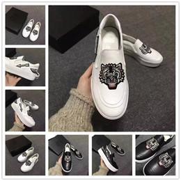 Broderie chaussures plates à vendre-2017 Printemps tiger broderies à deux couleurs chaussures décontractées. Pour femmes en cuir véritable Mariage à la mode