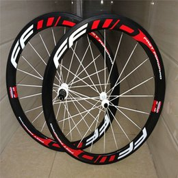 Wholesale Best quality factory price mm full carbon fiber bicycle k clincher tubular s red white C bike wheels with ceramic bearing hubs