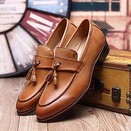 2017 los hombres hechos a mano de los zapatos oxford 2017 Los holgazanes hechos a mano de las enredaderas del cuero genuino de los nuevos hombres calzan los zapatos clásicos masculinos de la oficina de los zapatos del barco del huarache de los planos de oxford de los planos clásicos de Oxford económico los hombres hechos a mano de los zapatos oxford