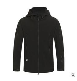 Wholesale Army Camouflage Coat Military Jacket Waterproof Windbreaker Tactical Softshell Hoodie Army Clothing Men s Hooded Fleece Thermal J
