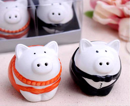 New Arrival Factory Directly Sale Wedding Favor Dressed In Formal Attire Pretty Pigs Salt & Pepper Shakers (1set=2pcs)