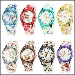 Silicio w en Línea-WatchMOQ de lujo 2018: reloj original del silicón de la impresión de la flor del reloj de manera del diseño de 2 PCS Combine su vestido de las mujeres de la ropa Relojes Jelly w