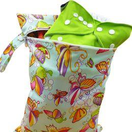 Acheter en ligne Bébé tissu réutilisable couche nappy-Nouveau bébé Wetbag lavable réutilisables couches de couches sacs Nappy imperméable Sport Sport Travel sac de transport organisateur pour bébé