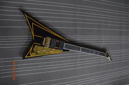 Acheter en ligne Voler v-Livraison gratuite 6 cordes guitare personnalisée Flying v style avec accordeur doré et floyd rose ponts incrustation personnalisée sur touche