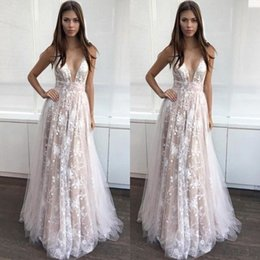 Top Quality Custom Made Prom Dresses A Line Sexy Plunging V Neck Sleeveless Romantic Lace Appliques Tulle Floor Length Evening Gowns