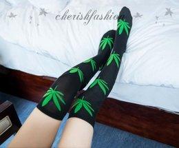 Wholesale Hot Sale women socks new fashion high stockings over knee high maple leaf socks black women stockings Z53 B