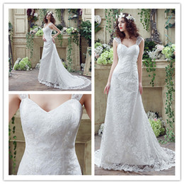 2018 New Straps Lace Bridal Dresses Pleat Beads Train Women Wedding Party Dresses Catwalk Rhinestones A line Sexy Sweetheart Chiffion Gown