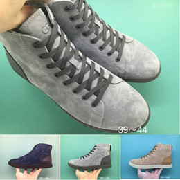 Wholesale vgg Australian Merino Sheepskin wool top men s shoes sheepskin boots Men High Quality Sneakers leisure mosaic