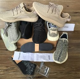Wholesale 2017 gift insole Best New boost running shoes Sneakers Kanye west Oxford Tan pirate black Keychain Socks insole Receipt boxes