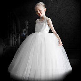 Miniatura de la novia vestidos de niña de flores blancas con tren desmontable niñas pequeñas niñas vestido de fiesta vestido de baile vestido de desfile de niñas desde pequeña novia vestido de niña de las flores proveedores