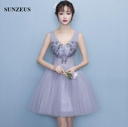 2017 robe de conception en cristal court Robes formelles de 8e année 2017 Nouvelle robe de graduation courte Puffy A-line V-neck Sheer Corset With Bones Girls Homecoming Dress Grey robe de conception en cristal court offres