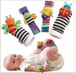 Wholesale Soft Baby Cartoon Wrist Strap Socks Boys Girls Toy Baby Rattle Animal Foot Finder Socks Cute Garden Bug Plush Rattle with Ring Bell
